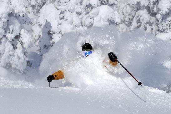 Massor av rabatter på skidresor i sommar!