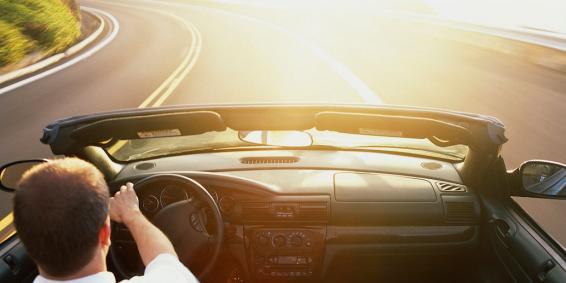 Boka sommarens spännande bilpaket nu!